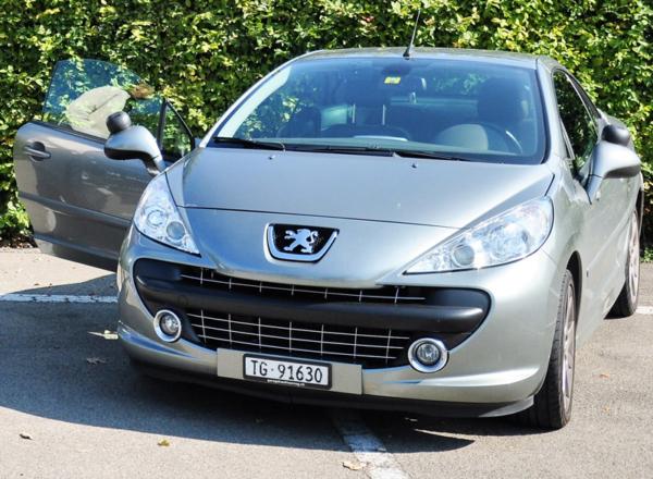 Fahrschul-Auto Peugeot CC 07